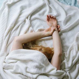 woman who can't sleep with insomnia
